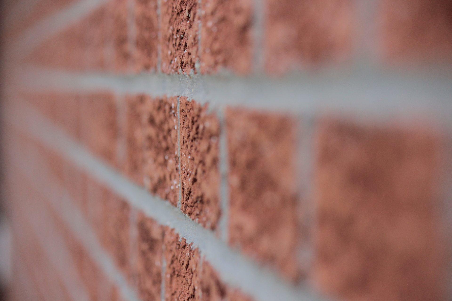 clicks in bricks